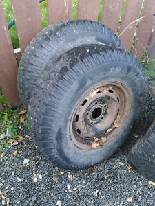 Traction king Winter tires on dodge 5 bolt rims 235/85/16 Prince George British Columbia image 2