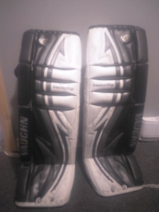 Vaughn v4 34+1 senior goalie pads