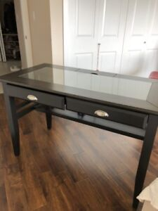 95% new computer desk for sale