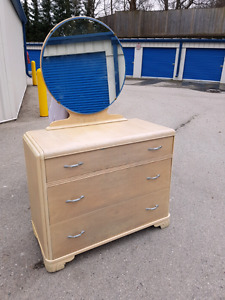 Solid wood vintage 3 drawer dresser with round mirror