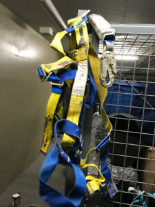 Expired Complete  Roofing Harness Kit (Vest, Lanyard, Rope)