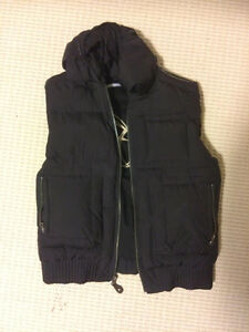 Aritzia TNA Black Winter Vest