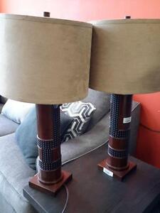 *** NEW *** ASHLEY ORIEL LAMP (2/CN)   S/N:51192747   #STORE576
