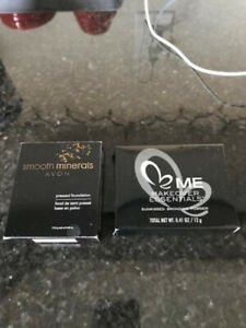 Avon/Makeup Essentials Face Powder...NEW