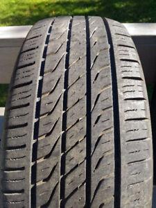 1 pneu été 15 pouces Toyo Extensa A/S 205/65R15