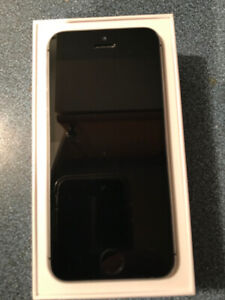iPhone 5 SE in great condition which was used with Rogers