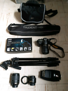 Selling Nikon D7200 with lenses and other accessories.