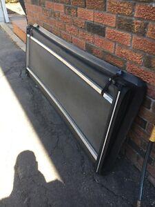 Ram 6.5 ft  box tonneau cover