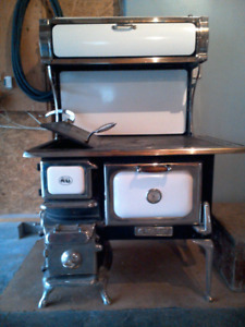 Heartland oval cook stove wood stove