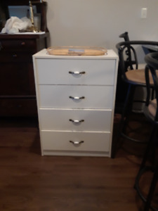 NICE WHITE CABINET IN GOOD CONDITION