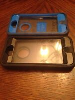 Good condition heavy duty otter iPhone 5s cases