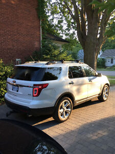 2011 Ford Explorer Limited SUV, Crossover - dual dvd headrest