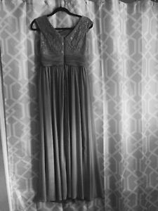 Beautiful Gown worn once Peterborough Peterborough Area image 2