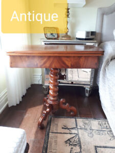Small Antique Table in Excellent Condition