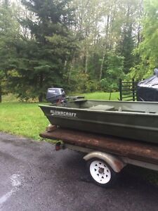10' flat bottom boat with 6hp and trailer