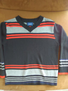 Mexx boys size 5-6 v-neck sweater