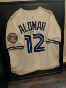 Signed Roberto Alomar HOF jersey