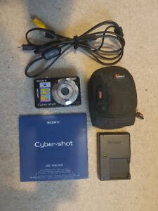 Sony Cyper-Shot DCS-W55 7.2MP w Case / 4GB SD Card