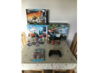 Nintendo Wii U 32gGB Premium Pack with Mario Kart 8 & everytging in picture