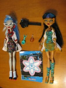 MONSTER HIGH DOLLS 7 GHOULIA YELPS dolls
