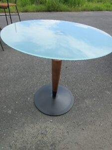 Table en vitre contemporain design italien