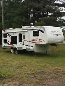 32' 5th wheel toy hauler