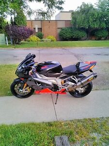 WANTED I AM LOOKING TO BUY SOME OLDER MOTORCYCLES Windsor Region Ontario image 1