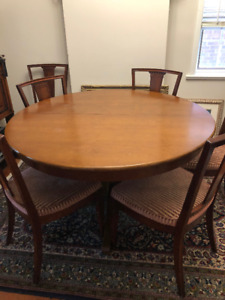 Dining Set - Round Extendable