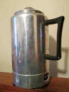 Vintage, 9c Electric Percolator pot
