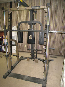 NAUTILUS SMITH MACHINE with Lat Pull Down/Low Row and Pec Dec -