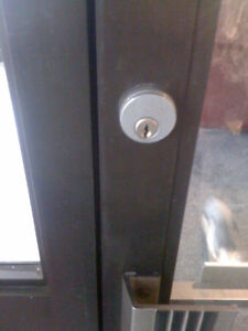 Residential & Commercial Locksmith Services