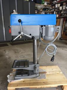 Bench Drill Machine - Maxion UNIMAX 1 Frequenz