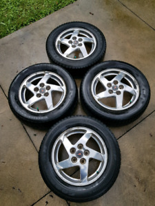 "GM  16"" 5 bolt aluminum rims,"