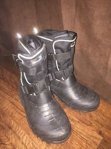 Brand new men's Thinsulate winter boots.  London Ontario image 1