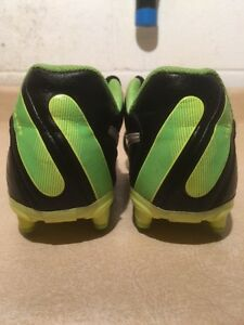 Youth Nike Tiempo Outdoor Soccer Cleats Size 5Y London Ontario image 5