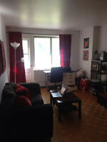 Spacious apartment with GREAT location and SELLING FURNITURE