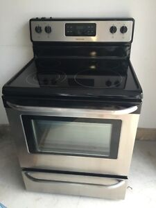 Frigidaire Smooth Top Stove Like Brand New!!