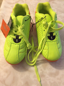 Soccer shoes size 1
