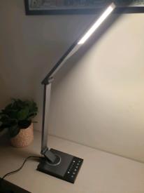 LED adjustable desk light