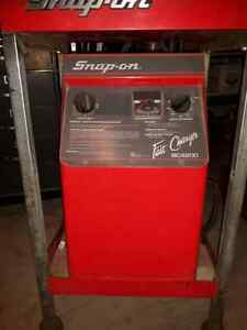 SNAP-ON DIGITAL BATTERY & ALTERNATOR TESTER plus CHARGER. Windsor Region Ontario image 4