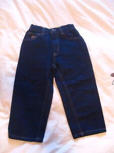 Garçon : Jeans Neuf 3T