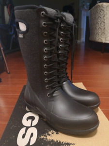 WOMENS BOGS WINTER BOOTS SIZE 8