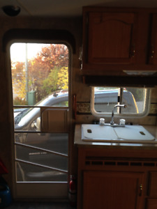 2007 - 26' FLEETWOOD TRAVEL TRAILER - MUST SELL!!
