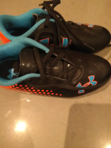 Under Armour kids/toddler soccer cleats size 11