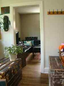 2 Bedroom Unit on Trent Bus Route and Close to Downtown Peterborough Peterborough Area image 5