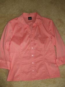 Coral Blouse Cambridge Kitchener Area image 2