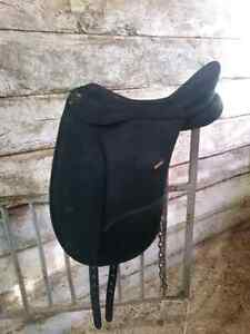 Wintec pro dressage 17.5 Kitchener / Waterloo Kitchener Area image 4