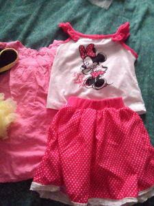 Lots of nice baby girl's clothes!