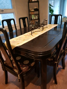 Oriental antique dining set with 8 chairs, extendable table