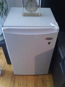 Whirlpool Bar fridge 75.00 mint cond.
